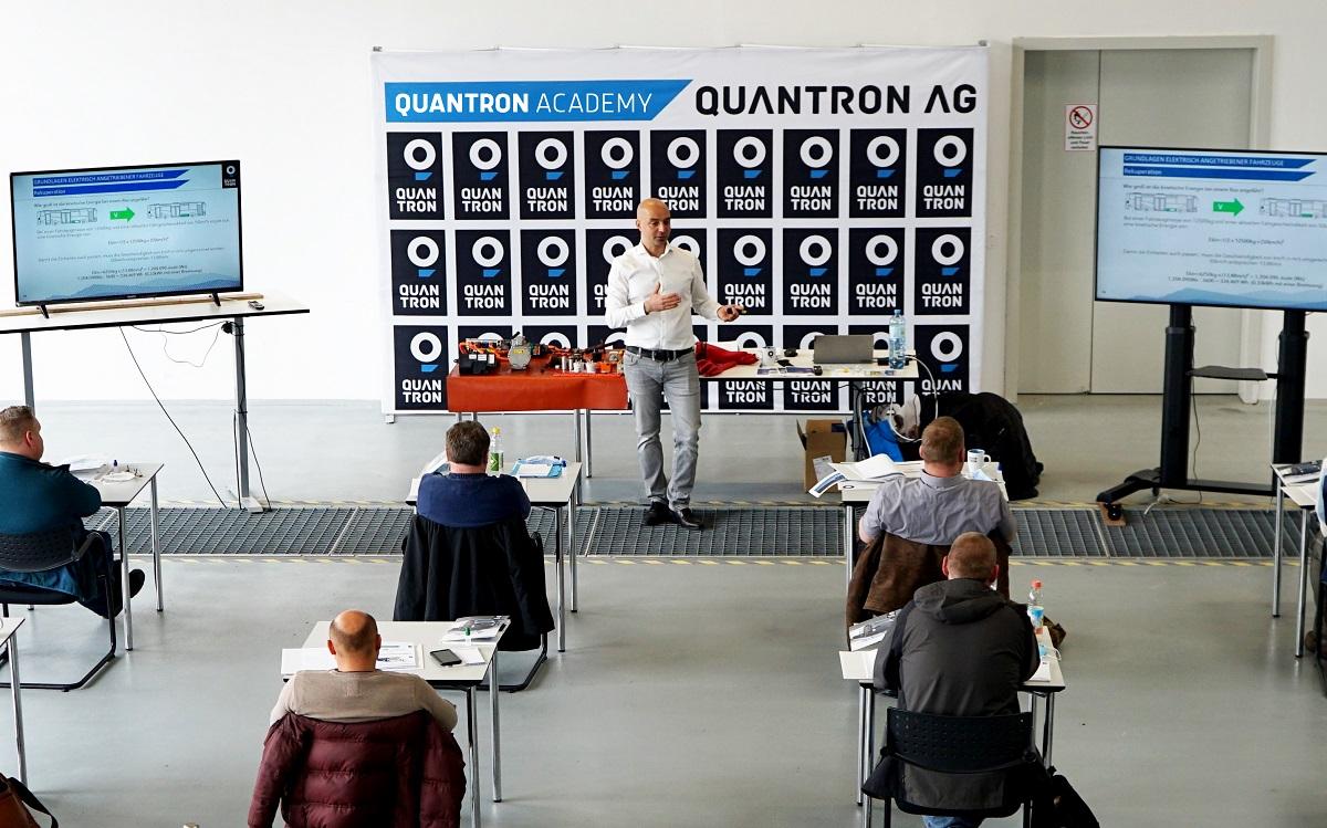 QUANTRON Academy bietet breites Spektrum an Schulungen und Workshops zur E-Mobilität